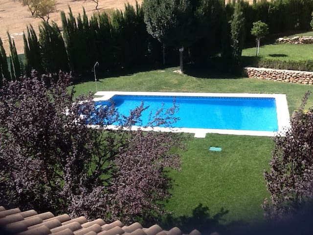 Mollina Village 3 Bedroom/6 Person Home with pool - Mollina - Casa adossada