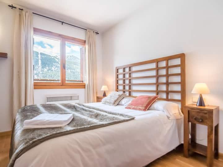 2 bedroom apartment with balcony and 2 bath.El Tarter. ESQ51