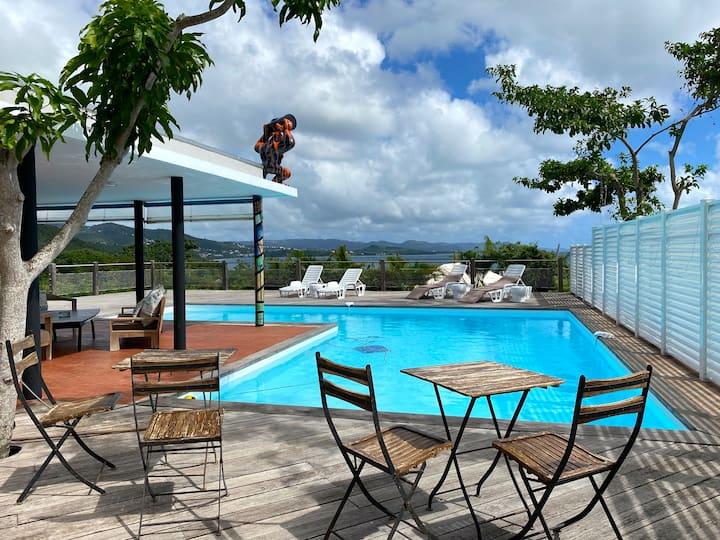 Villa HERON avec piscine en bordure de mer