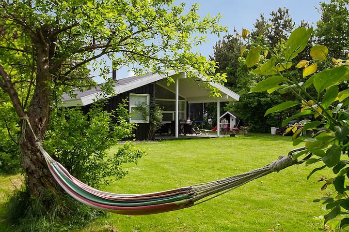Lovely house close to the beach - Dronningmølle - Huis
