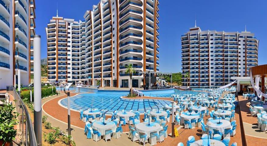 AZURA PARK  3+1 LÜX RESİDENCE - Alanya - Apartment
