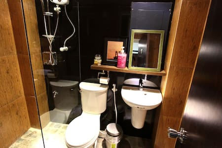 SINGLE STANDARD ROOM SHARED BATH - Dagupan - 家庭式旅館