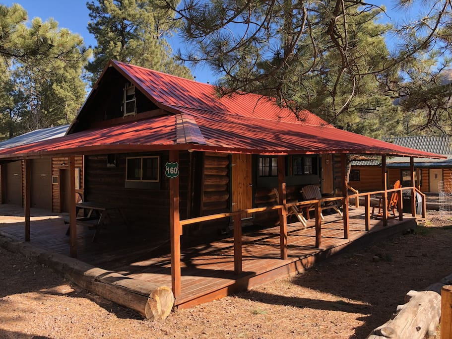 The lazy buffalo hunters retreat cabins for rent in for Cabins near greer az