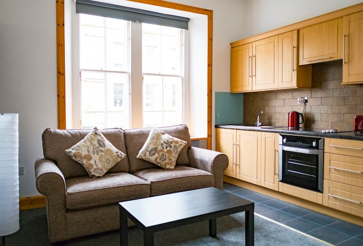 Central one bedroom flat in Haymarket