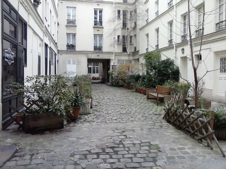 Invalides/ Montparnasse Apartment