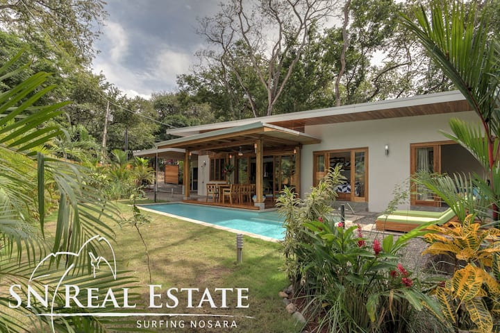 Villa Vela with Jungle Ocean Beach Only Steps Away