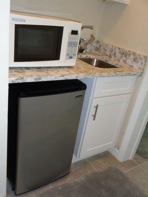Modern, brand new kitchen ....