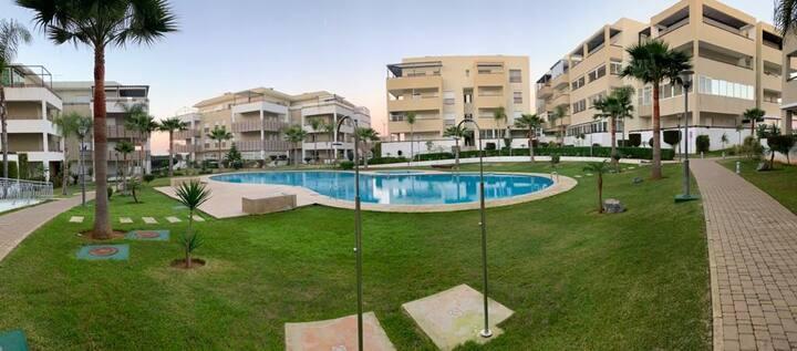 Cosy appartement, avec piscine à 800m de la plage.