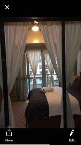 Modern Stylish 1 Bedroom Condo Unit across NAIA 3