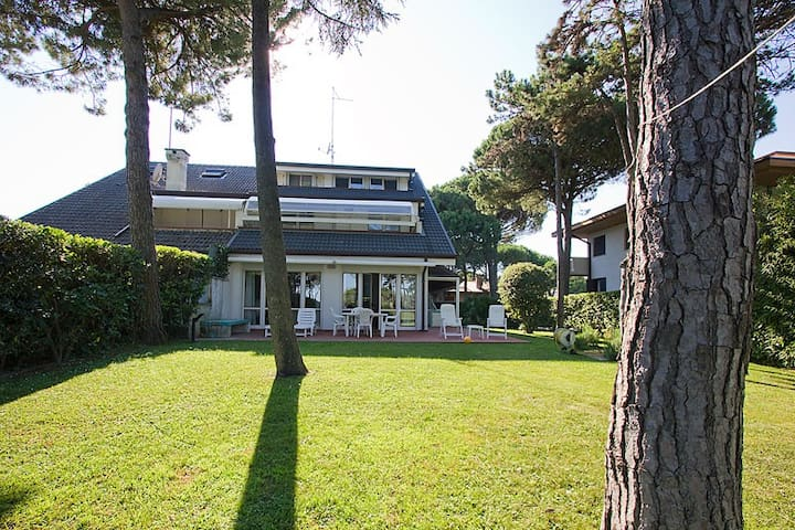 Villa immersa nel verde frontemare - Lignano Sabbiadoro - Wohnung