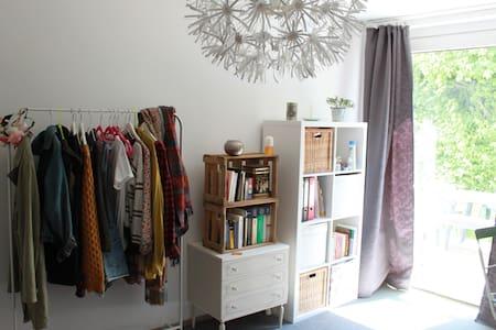 Schönes, helles Zimmer in Uni Nähe - Göttingen