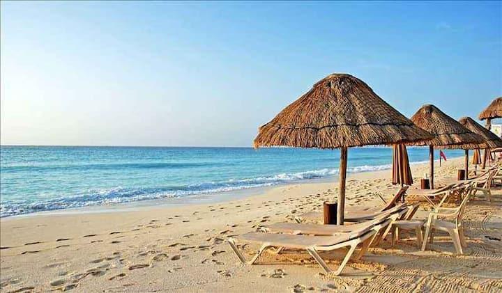 依山伴海/楼下即是沙滩(乐享看山看海双床房)