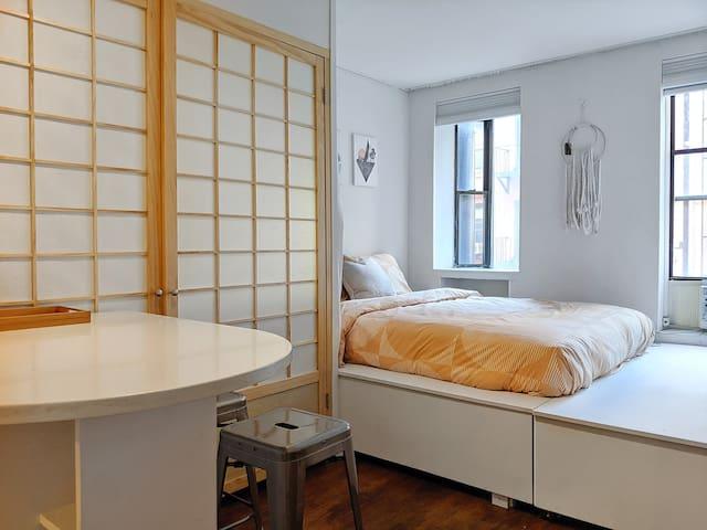 DISCOUNTED WINTER RATES great location cozy studio