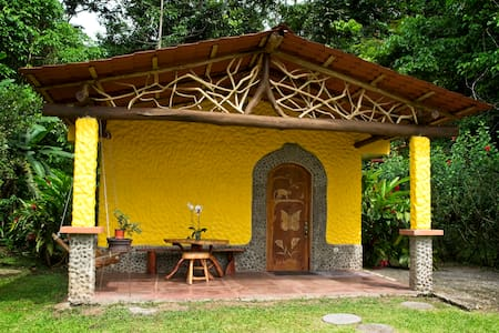 Mariposa Rainforest Casita with Hot Springs