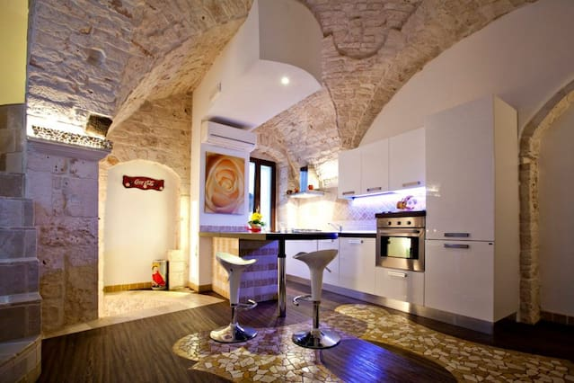 Holiday Homes Apartment Rentals Airbnb