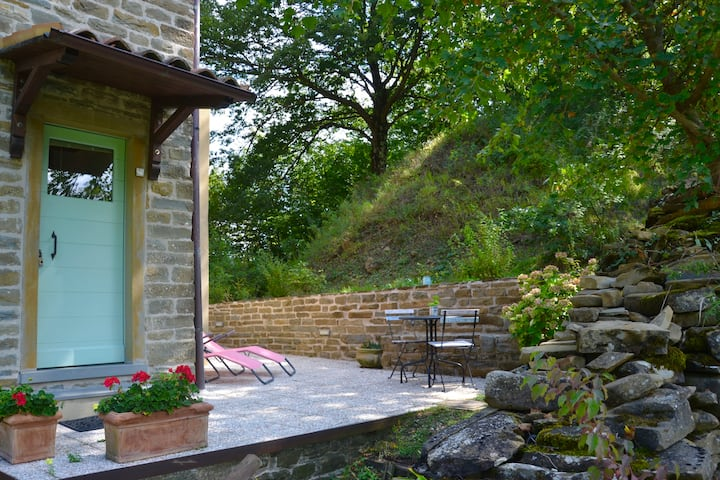 Casa Viola, stone farmhouse in the heart of Italy