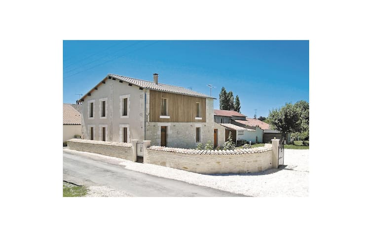 Holiday cottage with 3 bedrooms on 164m² in St. Sigismond