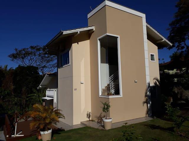 Linda Casa Balneário Camboriú praia de Taquaras-SC