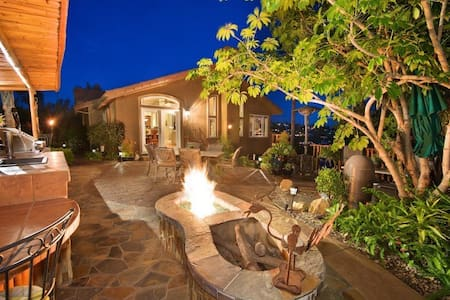Tropical Golf Getaway- Privacy w/San Diego Style