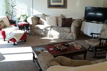 Bright and Comfy 2 Bedroom Apt.