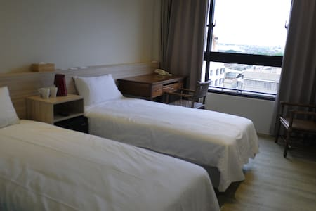高雄駁二兩人雙床街景KHH Private Room near MRT - Yancheng District
