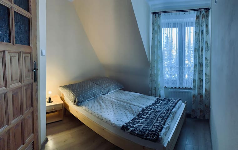 Charming room with double bed + private bathroom!