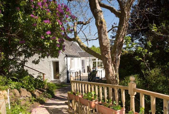 Alma Cottage, Isle of Seil, nr Oban, Pet friendly