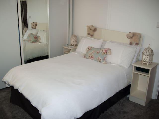 En suite bedroom at Number 18 Bridge Street
