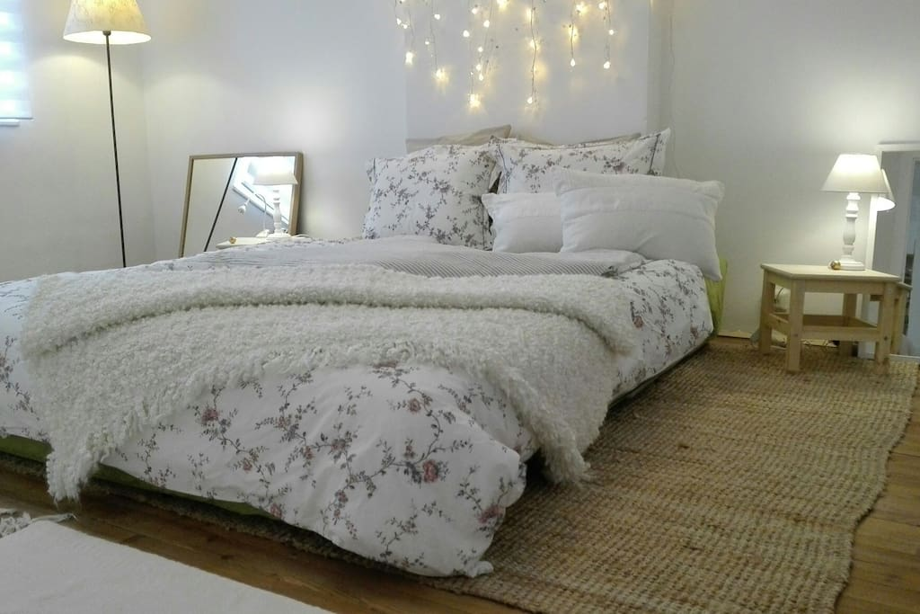 Das Bett immer mit hübscher Bettwäsche - Your bed with nice bedclothes