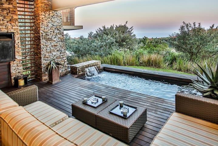 Zimbali - 4 bedroom luxury villa ZHB1