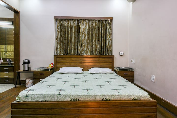 Family Home | Private Room | Wifi | Bangur Ave. - Kolkata - Lägenhet