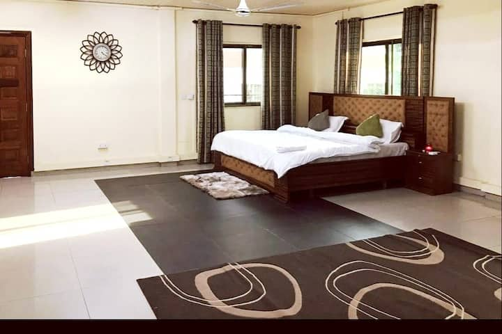 Simple and Classic Studio Apartment in Cantonments