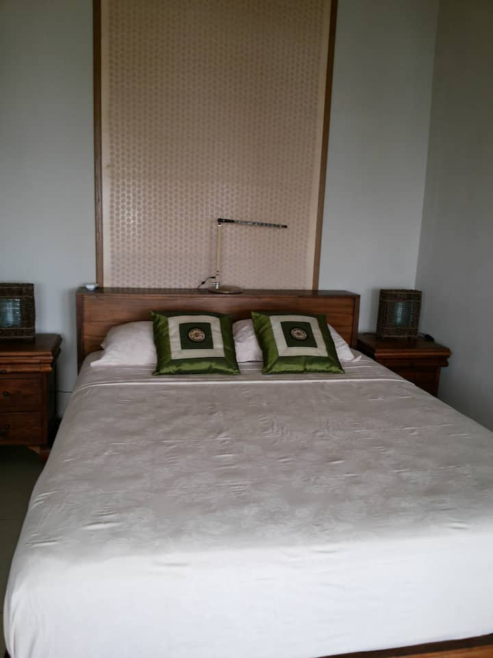 Abalone Resort Seaside Apartment, double bed room