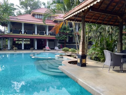 Cheap & quality stay at POOVAR