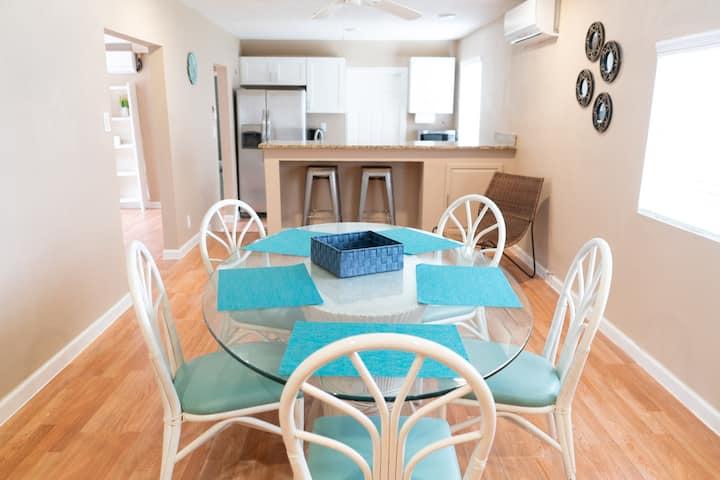 Entire Apartment! Orlene Parish 2 beds 1 full bath
