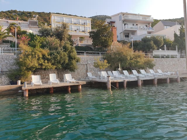 Apartments Cytrus Neum