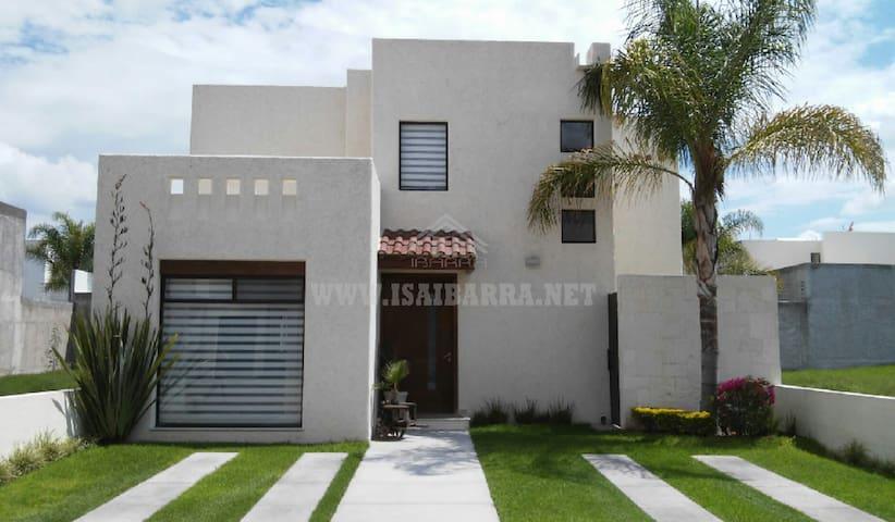 Casa en fraccionamiento cerrado - Aguascalientes - Casa