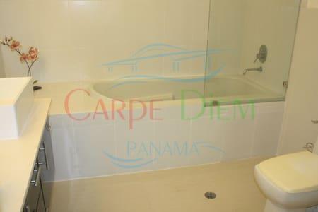Luxury beachfront apartment at Carribean coast - colón  - Huoneisto