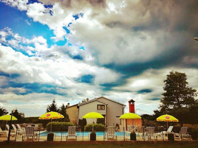 Charming App 2+1-pool & restaurant