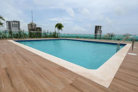 New Luxury Apartment Rooftop Pool | Downtown