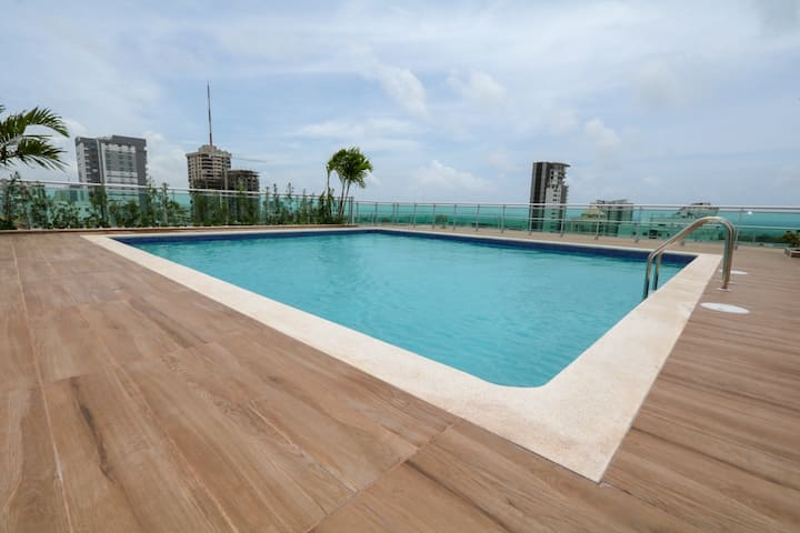 New Deluxe Apartment Rooftop Pool | Downtown