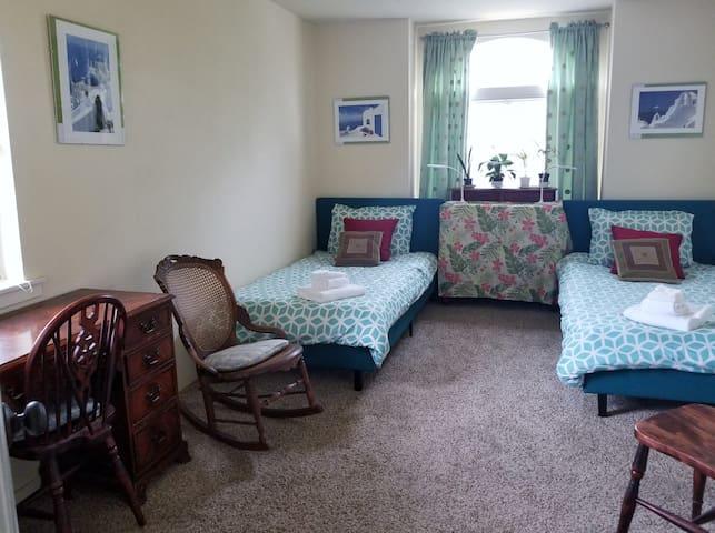 2 Bedrm Ocean-View Home Sleep 6 By Beach & Pets OK