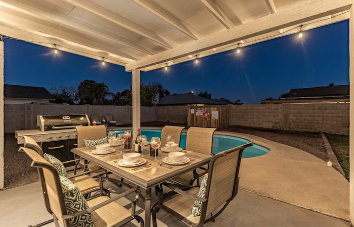 Fabulous 4 Bedroom Home + Private Heated POOL