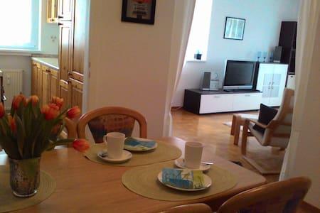 Helle Wohnung in See- & Stadtnähe - Überlingen