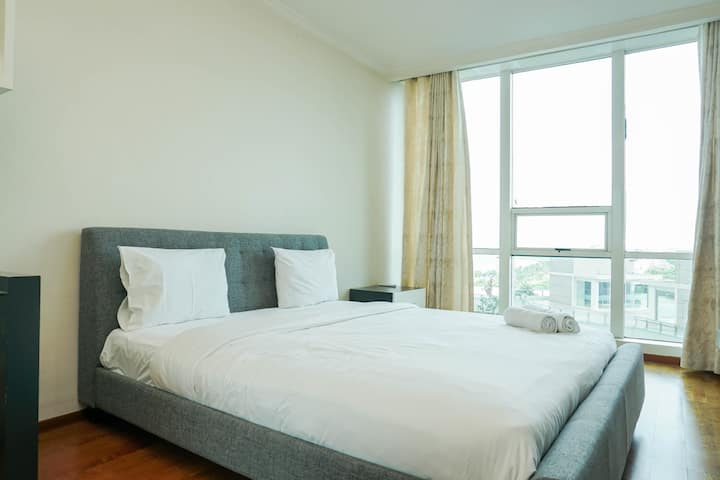 Spacious Studio with Sea View Ancol Mansion Apt