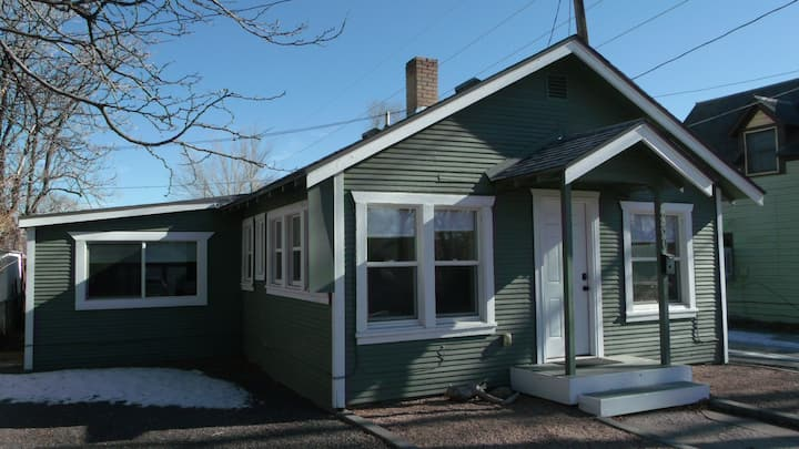 Two Rivers Little House: Downtown GJ Charm!