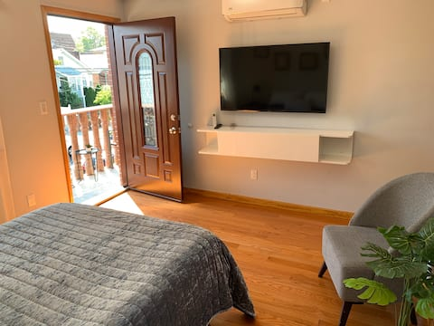 Private room in flushing with private bathroom