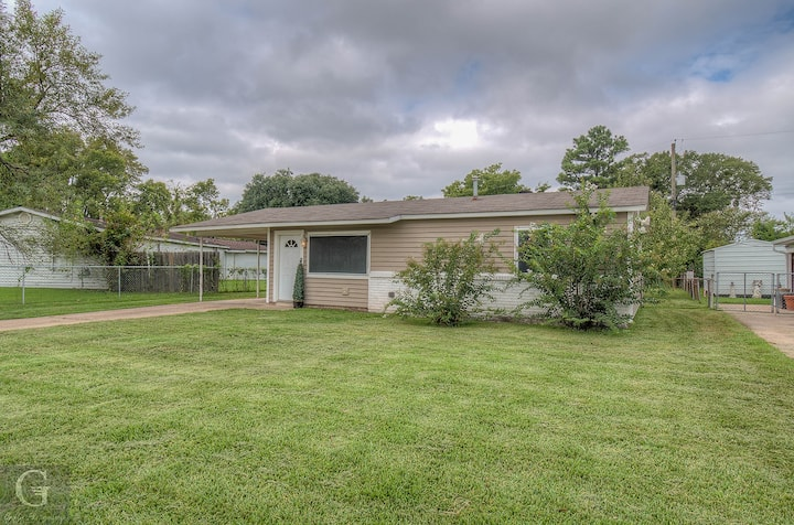 Modern, exquisite 2-bedroom home in Bossier City