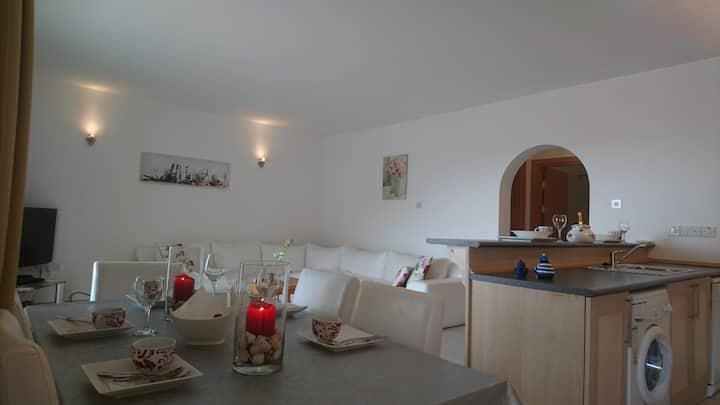 Amazing  Mediterrenean  Sea  View  2 bedroom  Pent