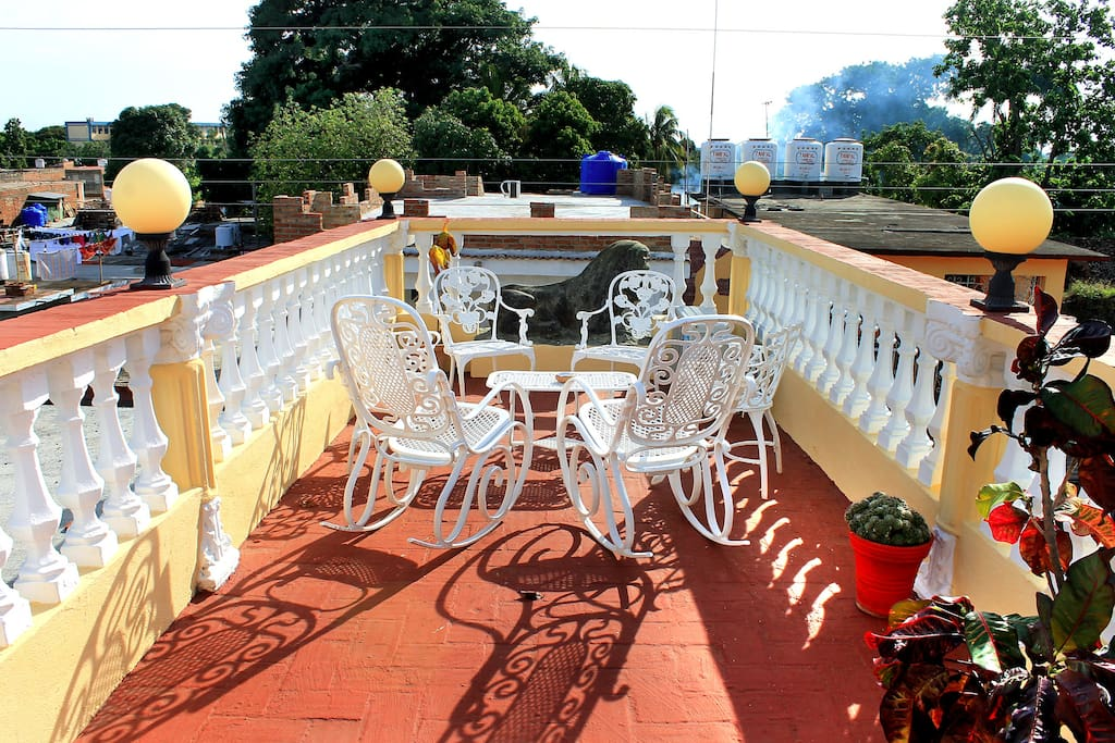 Enjoy our roof terrace. To cool off this is the perfect place!
